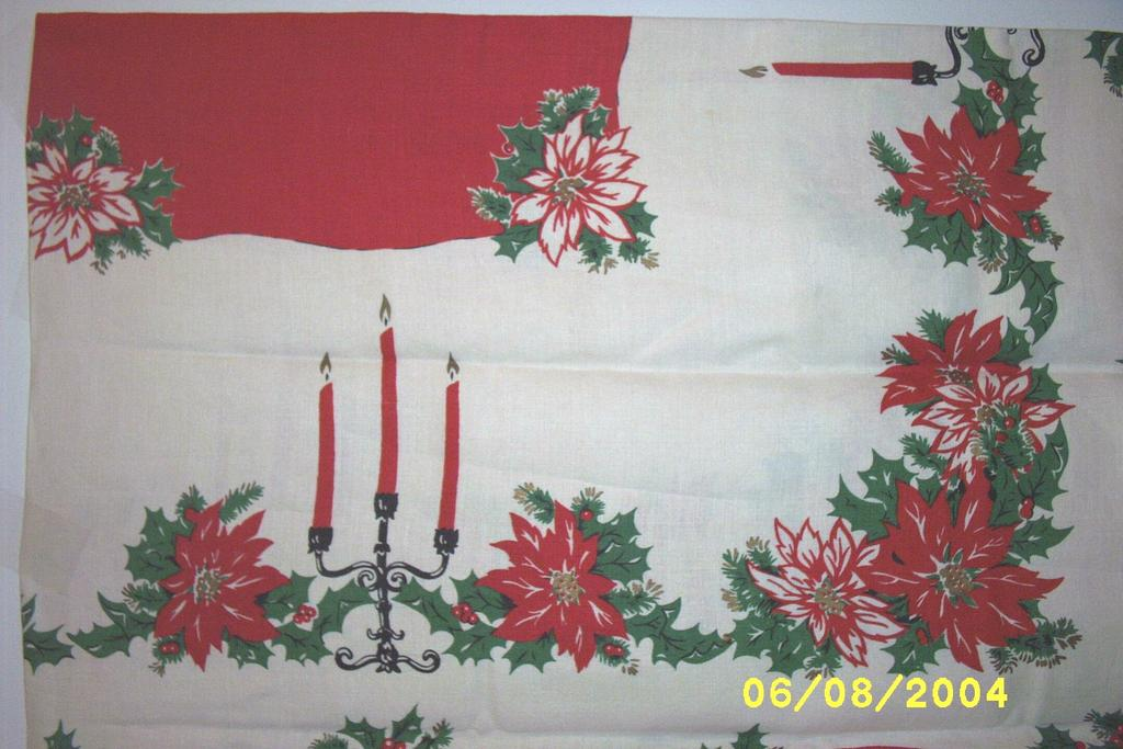 Item ID: Poinsetta Tablecloth1221 In Shop Backroom