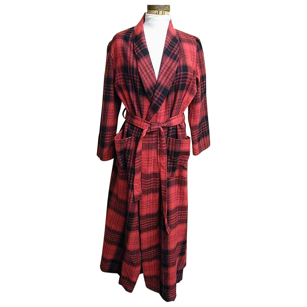 Robe..1970's Red / Black Blanket Plaid..Shawl Collar..Tie..B Altman..China..Size Small