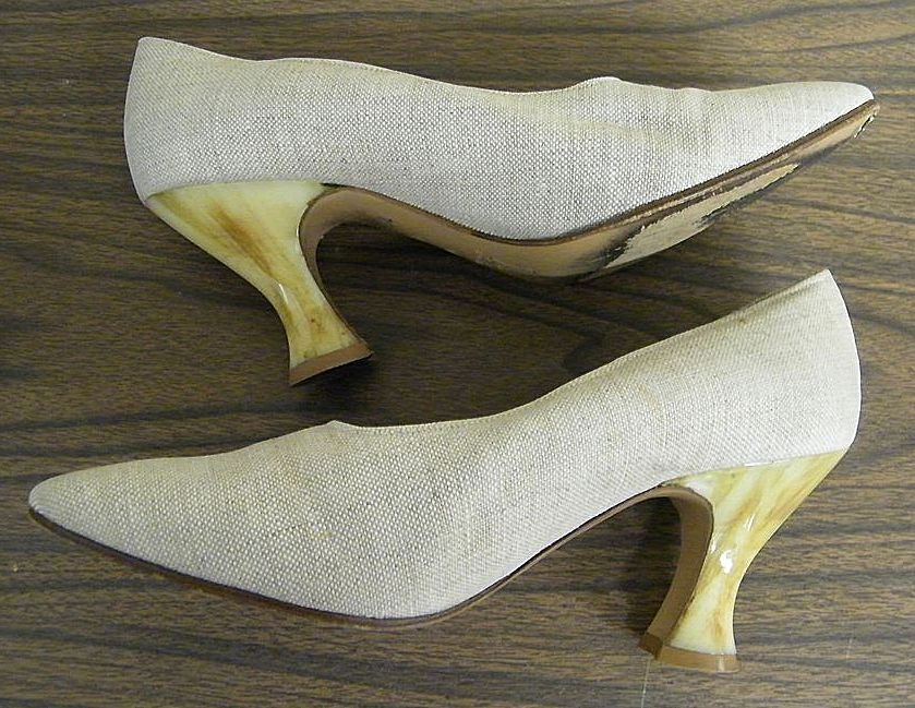Yves Saint Laurant..Marbled Honey Colored Lucite Medium Heels...Shoe Is Natural Linen..Italy..7.5-B..Barely Used