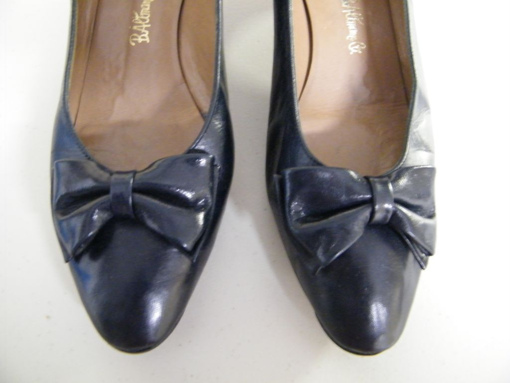 "Vintage Navy Soft Quality Leather Pumps ..2"" Shaped Heel..B Altman..Comfortable..7.5"" B..Used"
