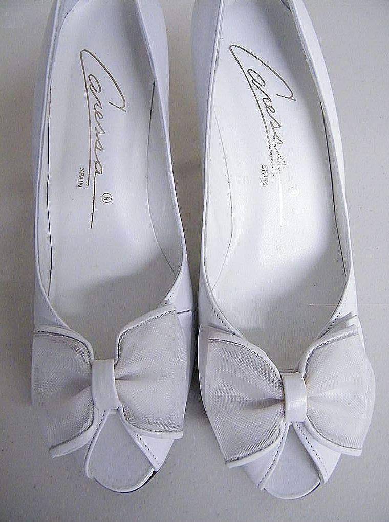 "Vintage White Leather Open Toe Heels [3""] With Bow By Caressa..Size 7 Narrow..New Condition"