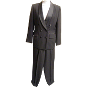 Women's...Tuxedo Pants Suit Suit By Le Suit..Black  Crepe..Satin Shawl Neck & Waistband..Size 6...Excellent Condition!