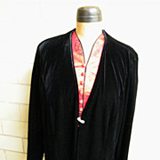 Patra Woman Black Velvet Jacket..Rhinestone Closure..Size 2X..Korea..Excellent Condition!t