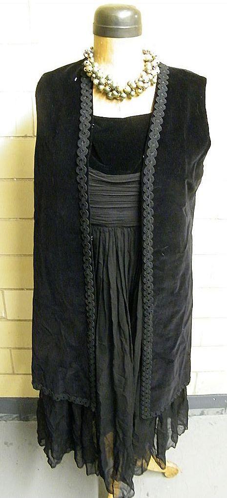 Item ID: Vintage Dress-1771 In Shop Backroom