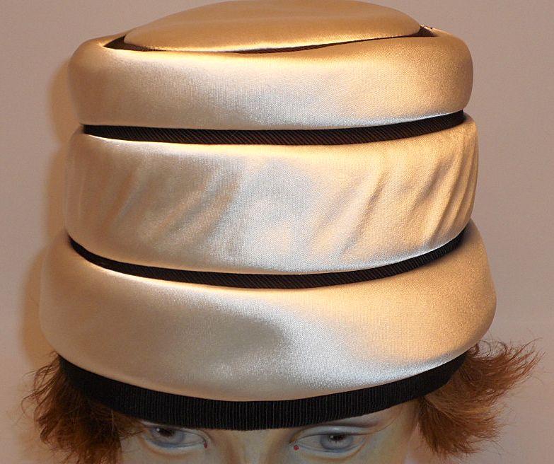 Lilly Dache' Dachettes Toque Hat....