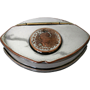 Late 19th Century snuffbox..