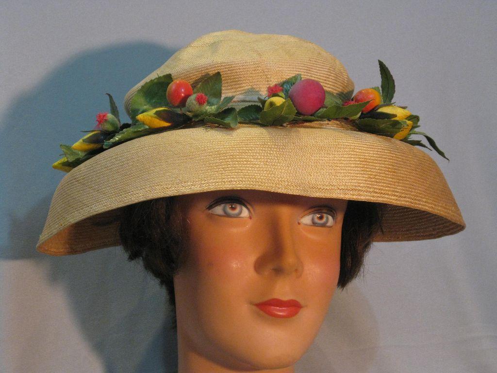 40's Vintage Straw Hat.....