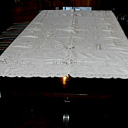 Linen Banquet Cloth w/ Figural Lace....