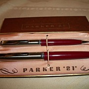 "Vintage Parker ""21"" pen and pencil set"
