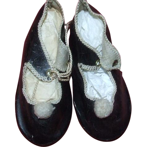 Antique pair of German doll shoes, size 10