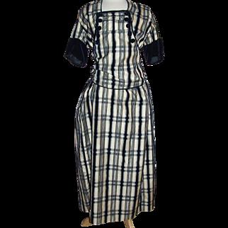 Silk gabardine dress 1909-1915 era, white with navy velvet