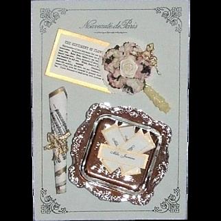 Nouveauté de Paris accessories on card
