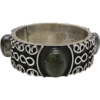 Los Ballesteros Taxco Mexican Mossy Green Sterling Silver Bangle Bracelet