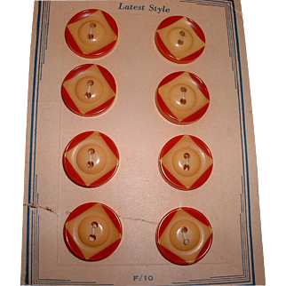 Vintage Two Tone Red and Cream BAKELITE Set Buttons 8 MINT on Original Card