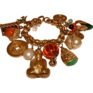 Vintage Signed NAPIER Huge Asian Motif Goldtone Charm Bracelet