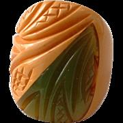 Vintage BAKELITE 2 Tone Carved Ring