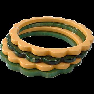 Vintage Daisy Shaped Bakelite Bangle Bracelets Times 4