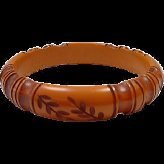 Vintage Unusual Carved Caramel BAKELITE Bangle Bracelet