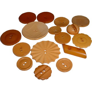 Assorted Vintage Cream BAKELITE Buttons