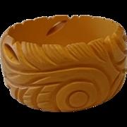 Vintage Wide Carved Cream BAKELITE Deco Bangle Bracelet