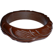 Vintage HI-Wall Brown Carved BAKELITE Bangle Bracelet