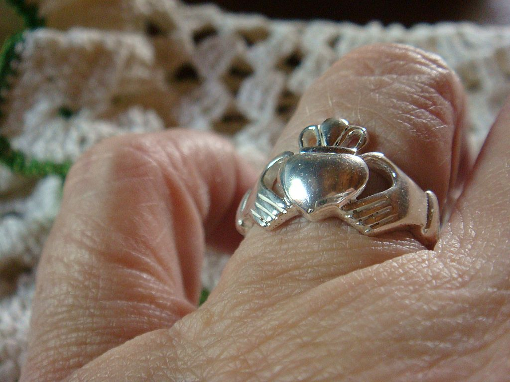 Sterling Silver Celtic Motif Ring Friendship, Love, Loyalty Size 8