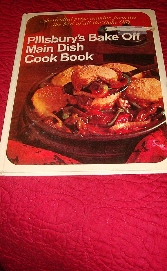 Hardback Cook Book: 1968 Pillsbury's (Best of the Bake Offs) Main Dish Cookbook