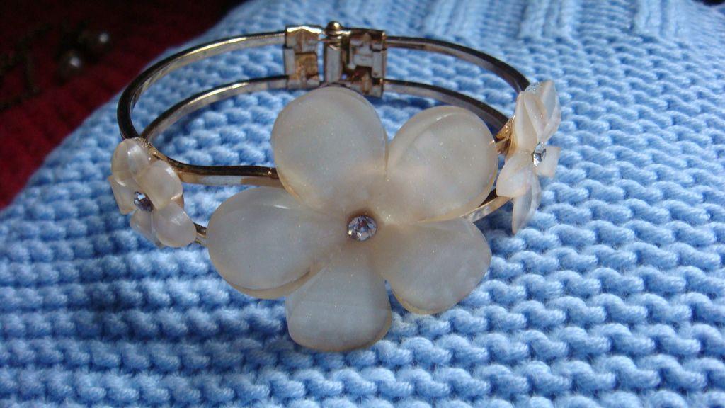 Triple Dimensional Lucite & Rhinestone Flower Clamper Bracelet