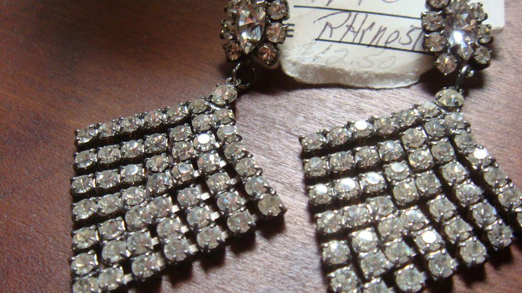 Large and Beautiful Pierced Dangling Diamond Shaped Prong Set Clear Rhinestone Earrings Prom, Wedding, Graduation!