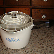 Excellent Corning Ware 32 Oz/4 Cup P-55-B Blue Cornflower Pouring Sauce Gravy Pot With Black & Chrome Handle!