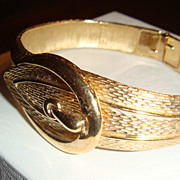 Brushed & Shiny Goldtone Mesh Design Belt Buckle Clamper Bracelet