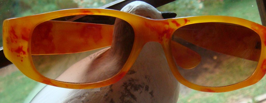 Vintage 1970's Lucite Sunglasses Marbled Pattern Illinois Estate