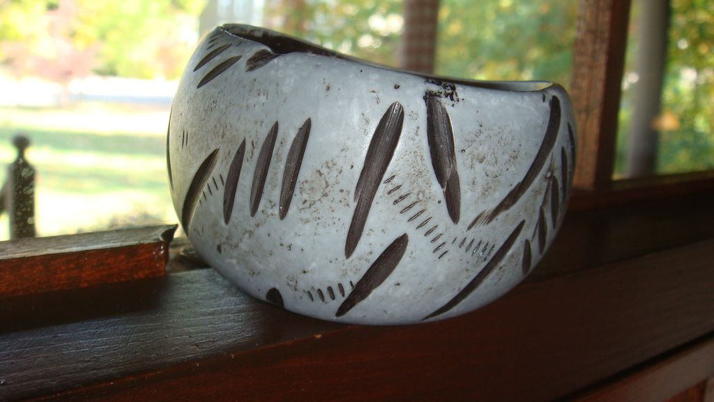 Very Cool Wide & Chunky Wooden Carved Bangle Bracelet Looks Like Fossil Markings