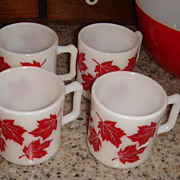 Set of 4 Like New Hazel Atlas RED MAPLE LEAF Kiddie Mugs Great for Cider!
