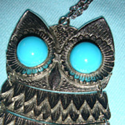 Large Mechanical Hoot Owl Necklace With Large Daisy Faux Turquoise Cabochon Eyes KY Estate