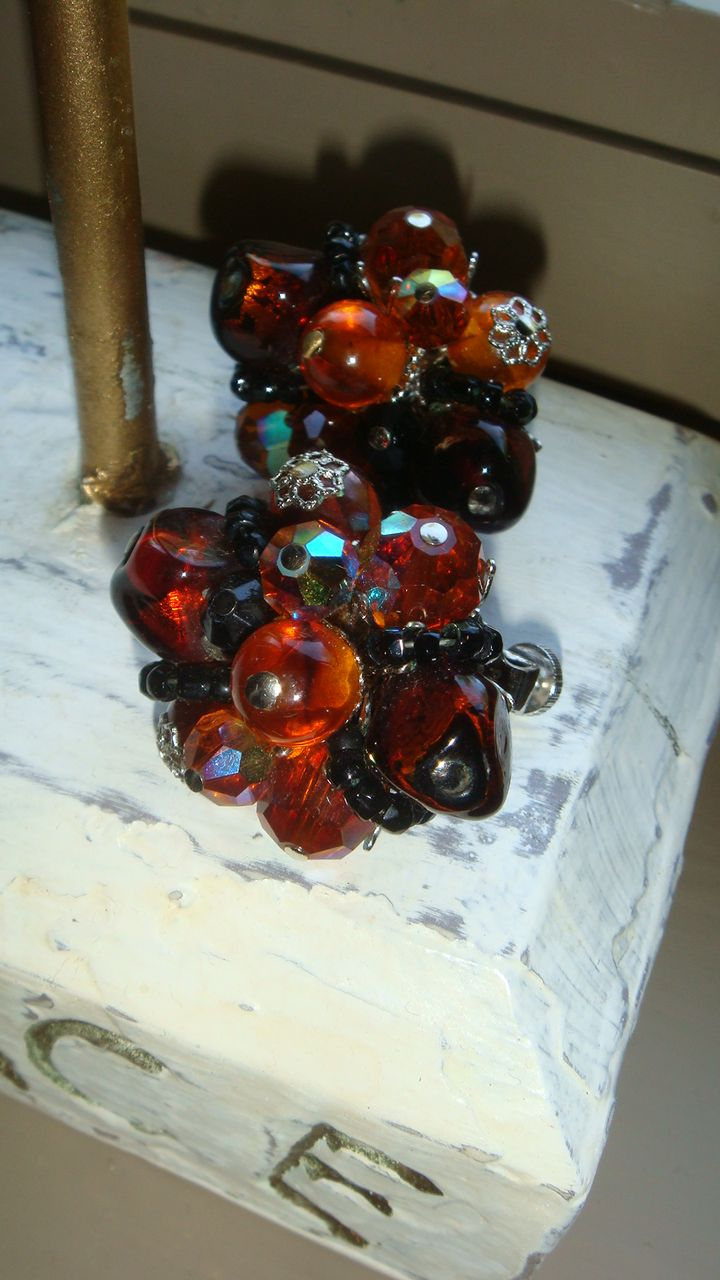 VENDOME Vintage Earrings, Topaz or Cognac, Amber & Black Crystal Glass Beads Silvertone End Caps
