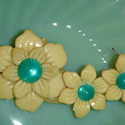 Opalescent Kelly Green Celluloid/Lucite Sew On Pin, Button, Decoration, Barrette