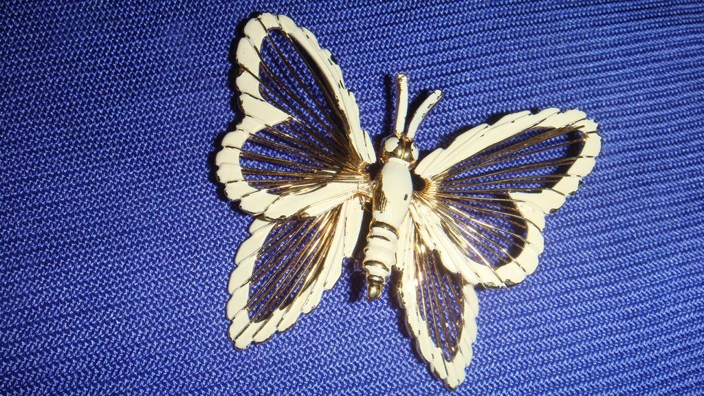 MONET White Enamel Butterfly Figural Pin/Brooch With Gold Tone Harp Like Wire Wing Dimensional Perfect for Summer