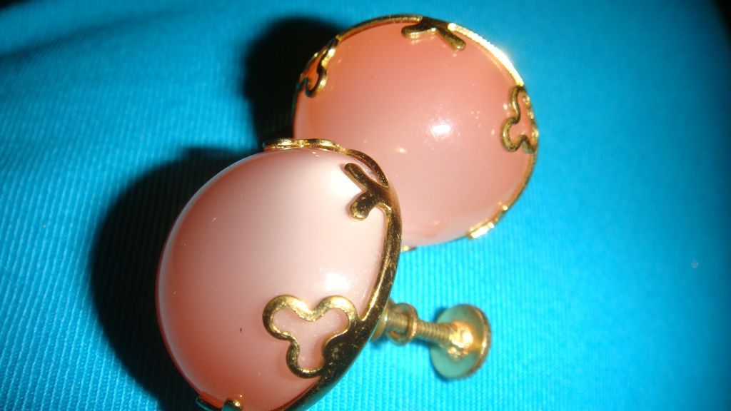 Vintage Screw Back Thermoset Earrings Iridescent Lucite Peachy Pink
