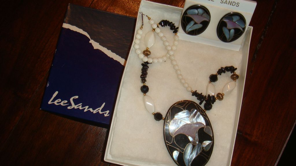 NIB Vintage Lee Sands 1970's Inlay Mother of Pearl Necklace Pierced Earrings