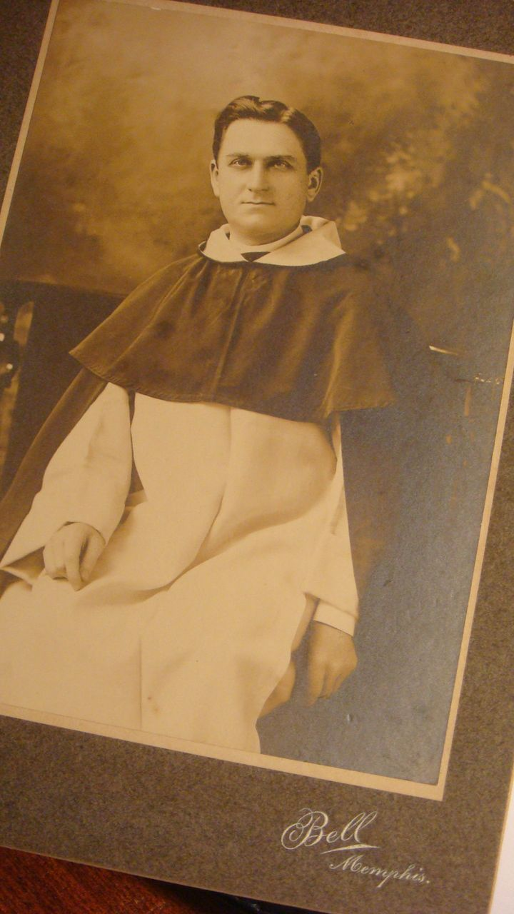 Signed & Dated 1899 Memphis Priest Cabinet Card Sepia Photo Bell Photographer