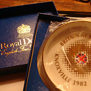 Royal Doulton Knoxville 1982 Britain At The World's Fair Souvenir Dish Gold Gilt