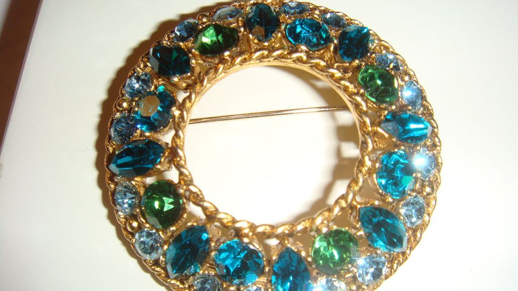 REGENCY Bold Blues & Greens Domed Circular Brooch KY Estate