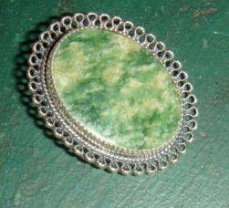BEAU Sterling Brooch Pin Bezel Set Jadite or Agate Lacy Filigree Look
