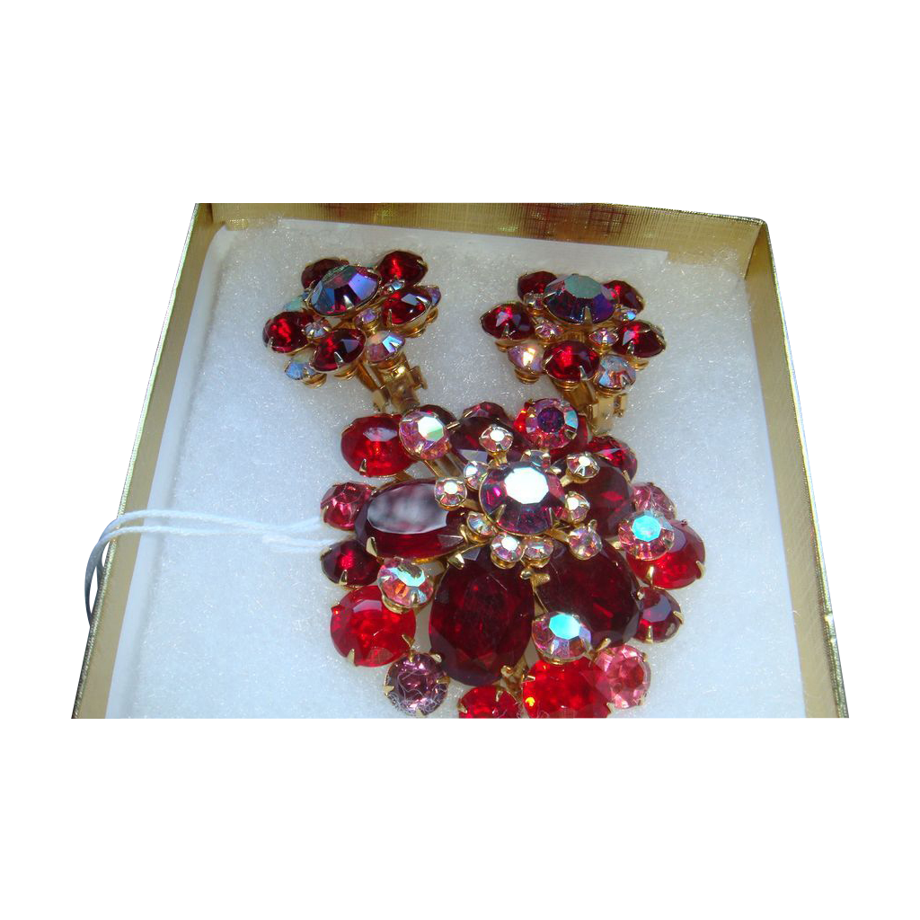 BEAU JEWELS 1950's Domed Red Aurora Borealis Brooch & Earrings
