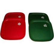 Set of 4 Like New Vintage Tupperware Christmas Luncheon Plates Snowflake and Partridge