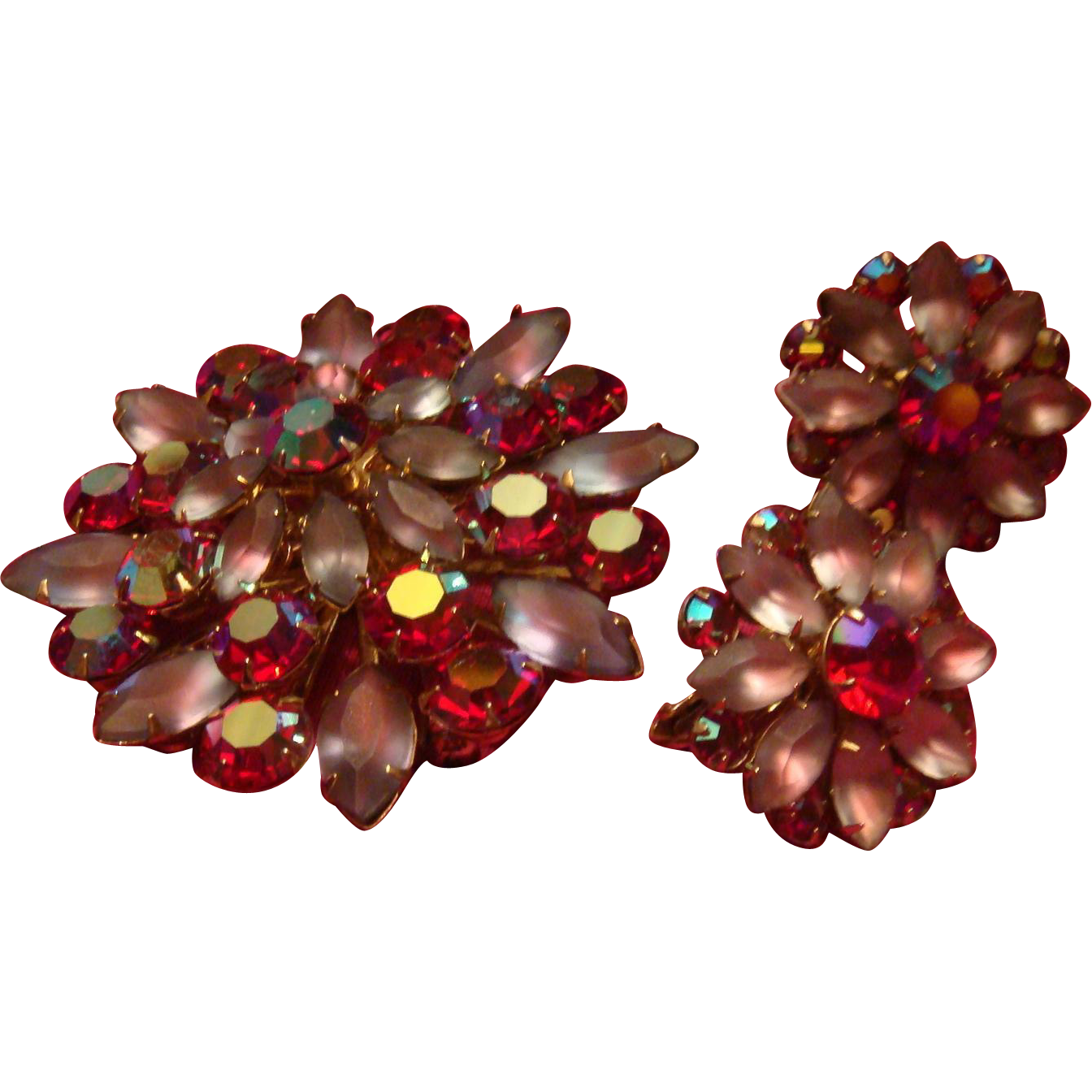 4 Dimensional Coro Demi Parure Pink Red Aurora Borealis Facets Art Glass Marquis Brooch Earrings