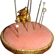 Vintage Heavy Gold Metal Kitty Cat Pin Cushion Vanity Dresser Item