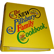 1973 Hardback 5 Ring Binder The New Pillsbury Family Cookbook Classic Vintage Cook Book