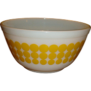 Pyrex Yellow Polka Dot 1 1/2 Quart Nesting Mixing Bowl Number 402